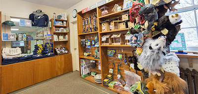 Plushes & apparel in Trailside's gift shop © Leslie Gomes