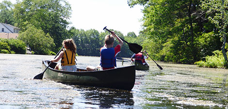 BMB campers canoeing