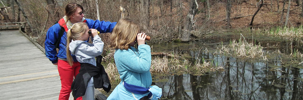 Kids exploring & birding at Broadmoor in March