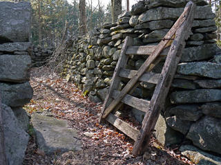 Stone wall with gate © Richard Johnson