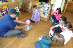 Birthday party balloon science