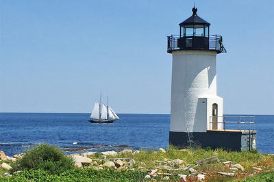 Lighthouse on Straitsmouth Island © Thacher Island Association