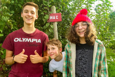 Apple-picking at Alyson's Orchard during Teen Weekend 2018